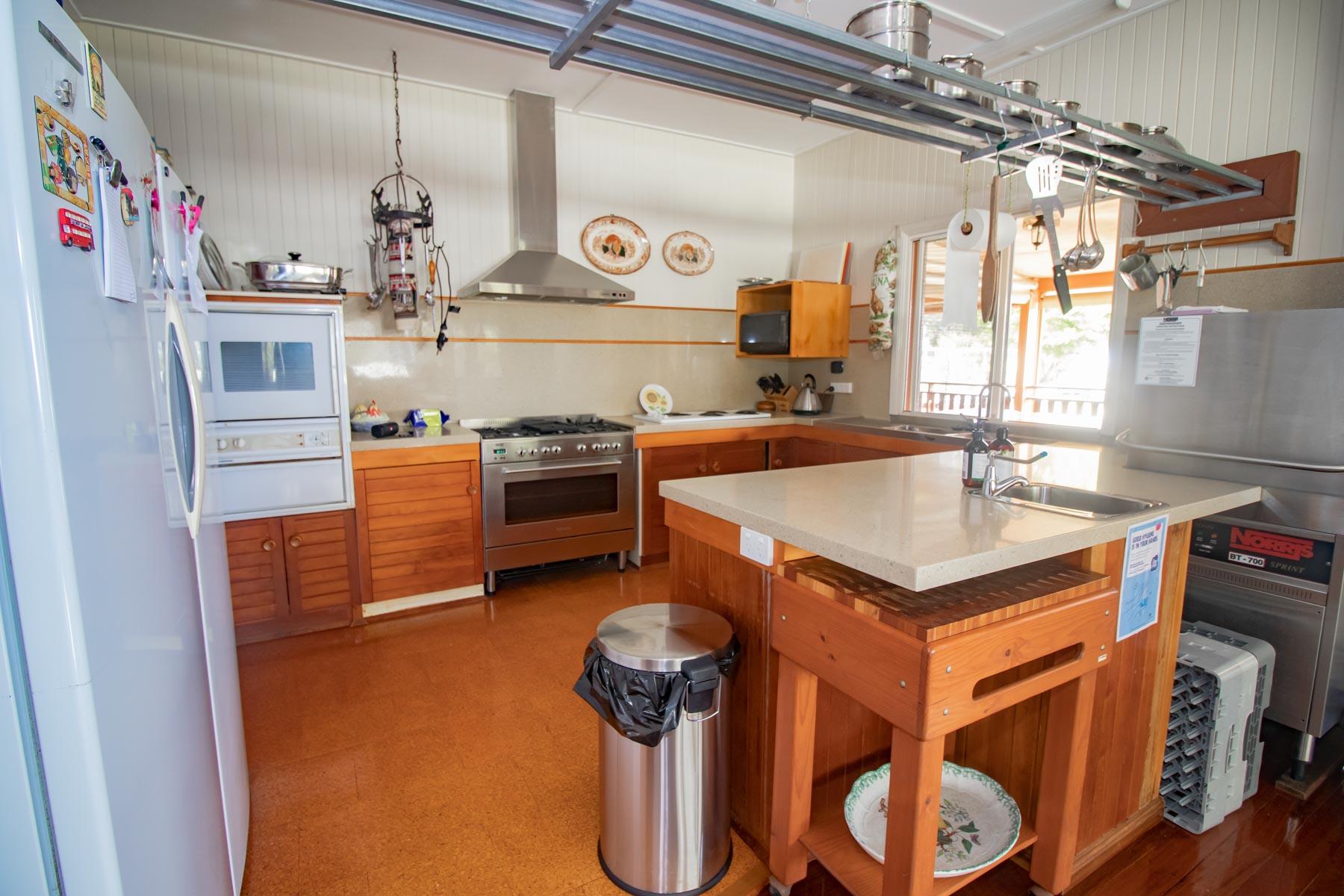 Mystery Mountain Farm Stay   Kitchen Facilities