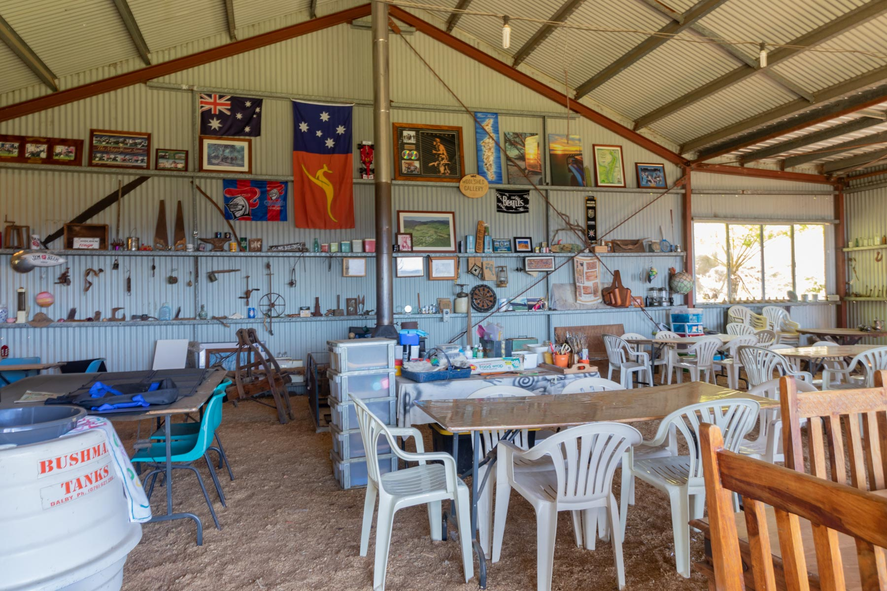 Mystery Mountain Farm Stay   Shed